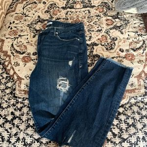 Good American Jeans - Good American distressed jeans - good legs